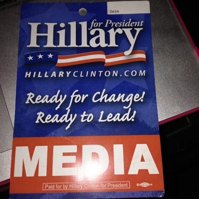 הילרי מדיה, אישור להתלוות לקמפיין שלה