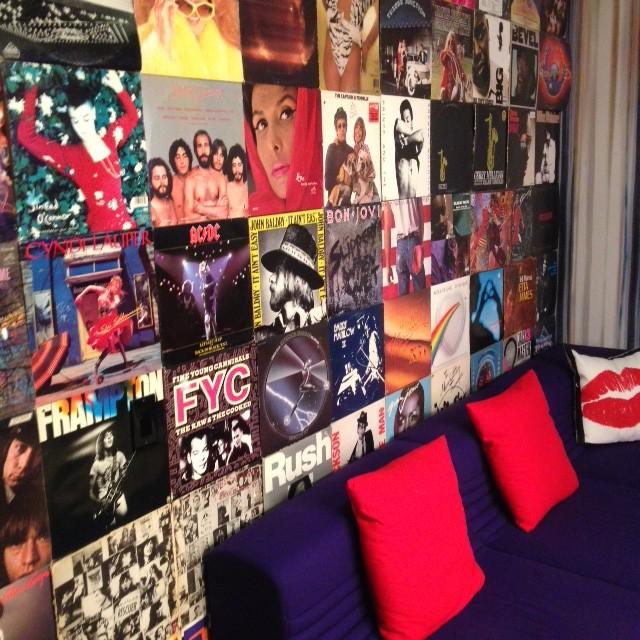 חדר VIP המתנה לעליה לשידור בהאפינגטון טי.וי.