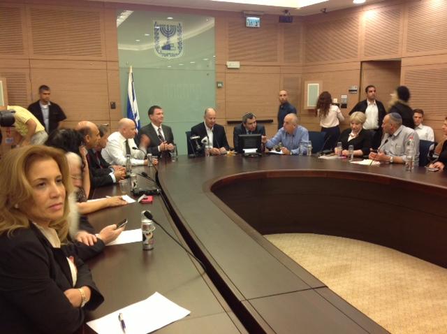 ישיבת ועדת חוץ ובטחון, 12 במאי ובה מונה אלקין ליו״ר הועדה
