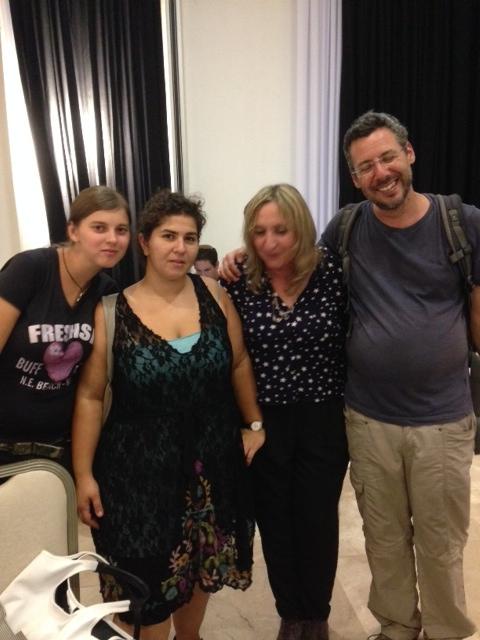 חנה קופרמן (שניה מימין) ופעילי הפורום הישראלי לשמירה על החופים, יואל חסין, מתפקד בליכוד אינו בתמונה