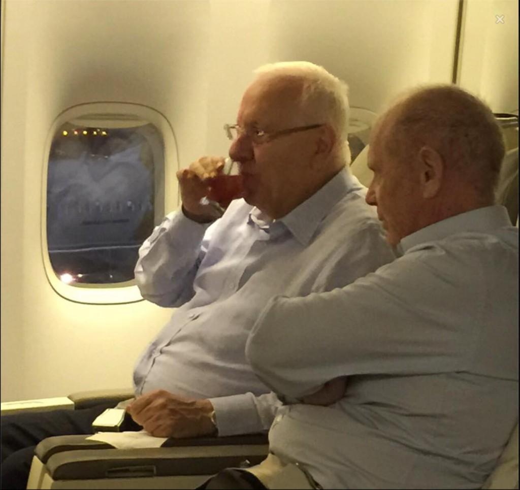 ריבלין במטוס
