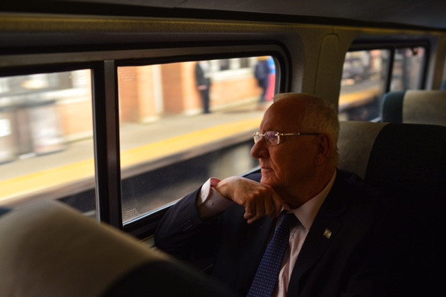 נשיא המדינה ראובן רובי ריבלין ברכבת מניו יורק לכיוון וושינגטון Photo by Kobi Gideon / GPO