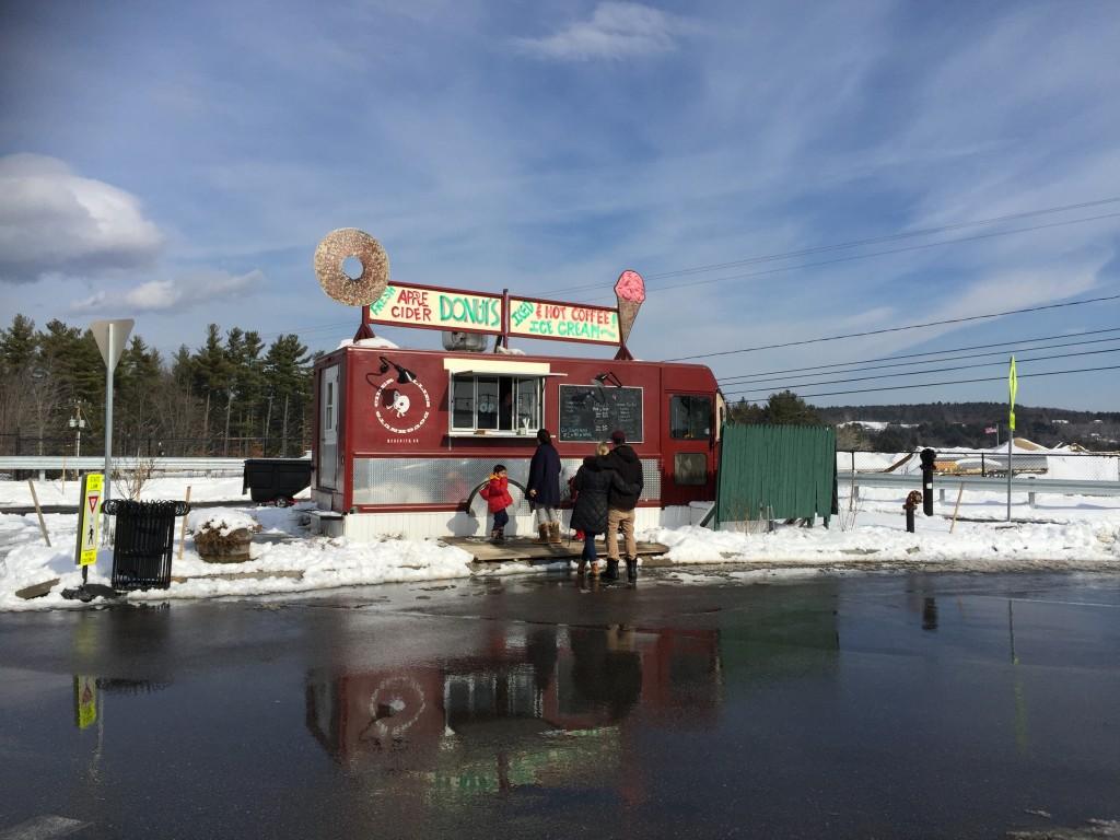גלידה בשלג בדרך לקונקורד. צילום: טל שניידר