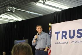 קוך: קלינטון עשויה להיות נשיאה יותר טובה מן הרפובליקנים