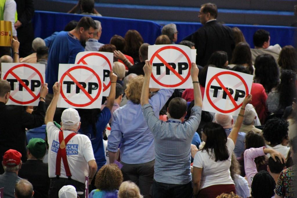 התנגדות להסכמי הסחר, הועידה הדמוקרטית, פילדלפיה, 2016. צילום: טל שניידר