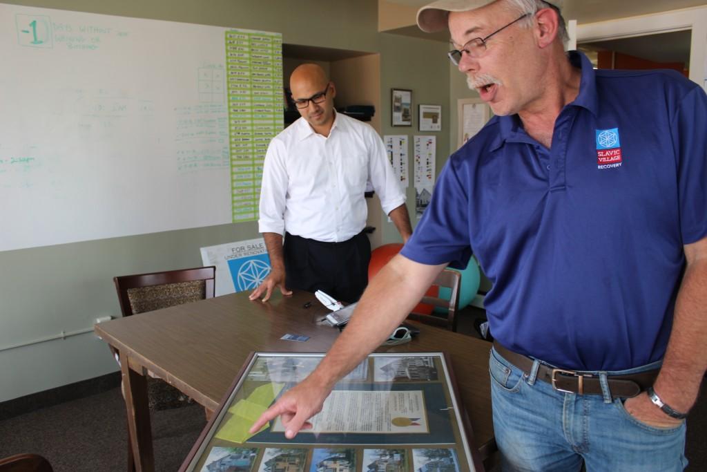 ג׳ף רייג (ימין) וכריסטופר אלוורדו מעמותת הפיתוח האזורי. צילום: טל שניידר