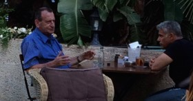 לפיד וחולדאי בבית קפה בתל-אביב